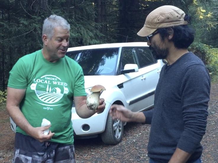Randy & mushroom